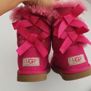 Bailey Bow uggs Girls Size 11